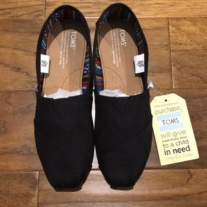 TOMS Canvas Alpargatas 7.5